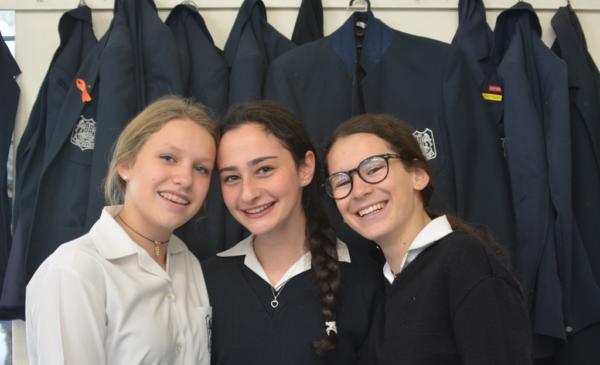 Amira Cohen, Micaela Cohen and Indya Hupert yeshiva college